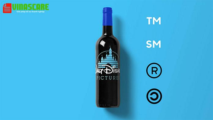 Phân biệt các ký hiệu ®, ™, SM và © đi kèm thương hiệu (Ảnh Vinascare)